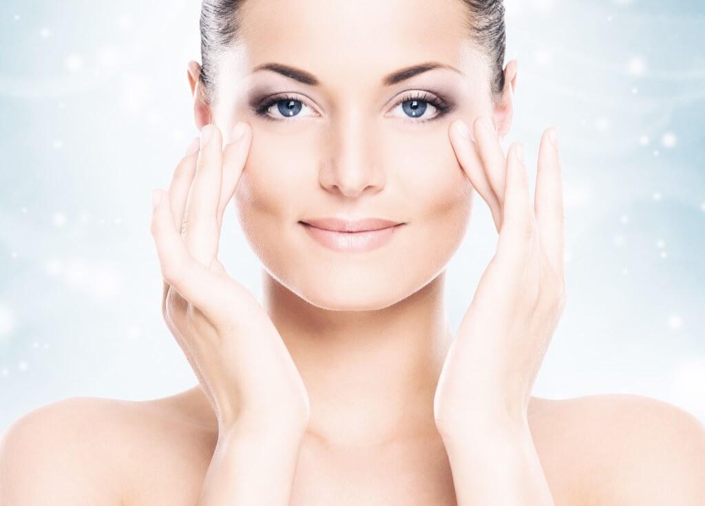 Les vitamines pour les cheveux avec le soufre par le silicium par le zinc